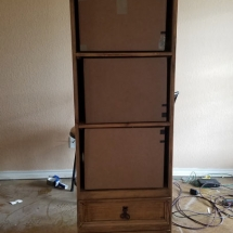 Packing of a Standing Dresser